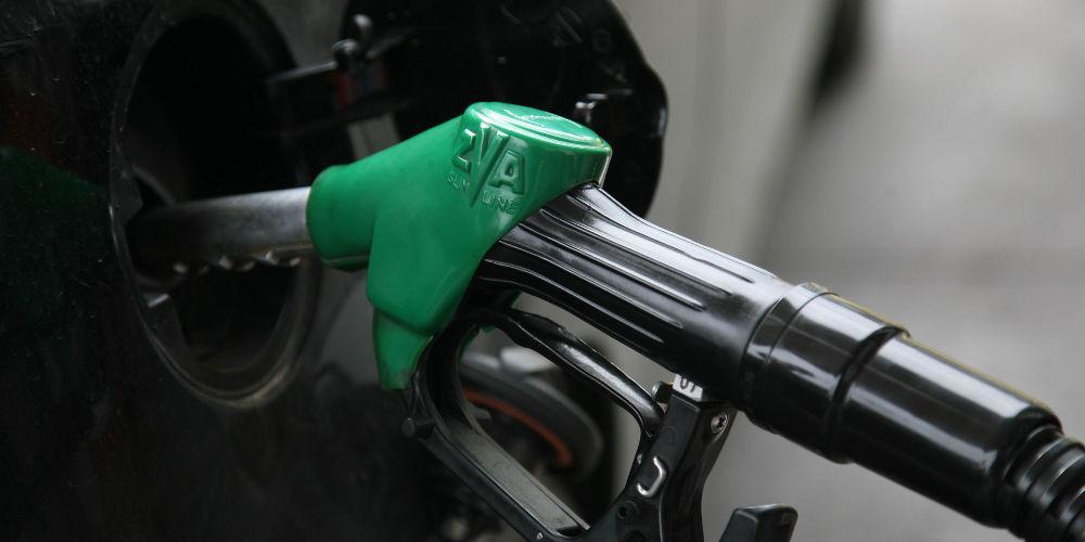 «Γκάζια» για την τιμή της βενζίνης: Στο 1,70 ευρώ το λίτρο
