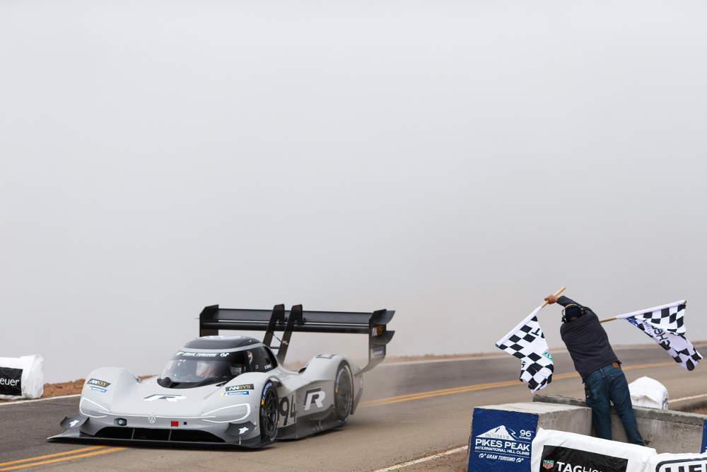 Ιστορικό ρεκόρ της Volkswagen στην ανάβαση του Pikes Peak