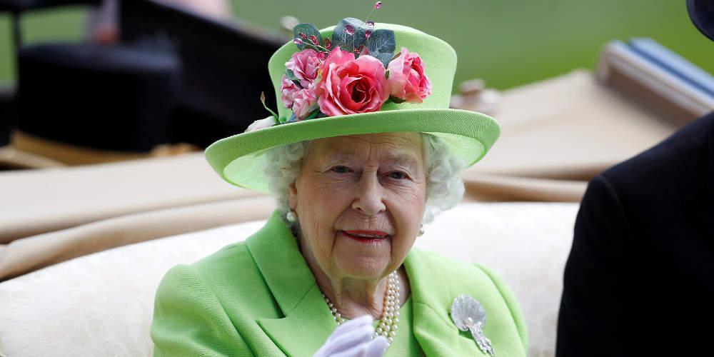 Ξεφτίλισε τον Τραμπ η βασίλισσα Ελισάβετ: Κατέστρεψε το γκαζόν μου [βίντεο]