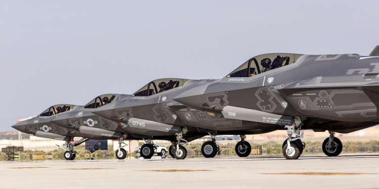 Reuters: Η Ελλάδα πιθανός αγοραστής των αμερικανικών F-35