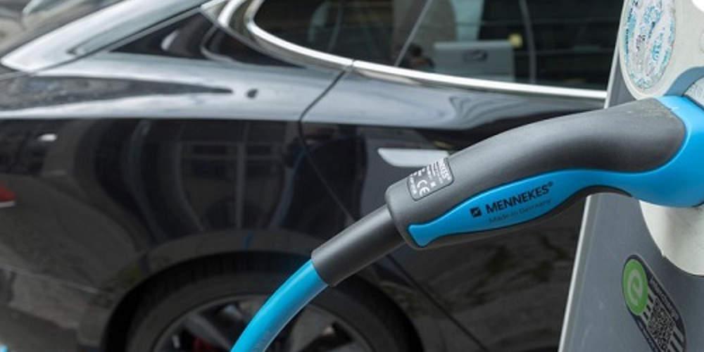 Χατζηδάκης για ηλεκτροκίνηση: Έρχεται επιδότηση 1.000 και πλέον οχημάτων