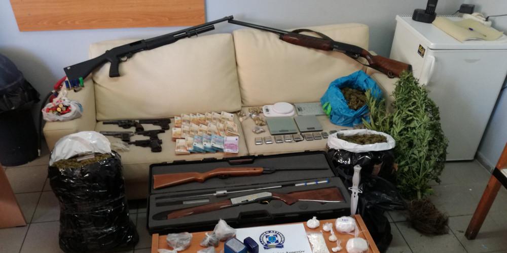 Επιχείρηση σε καταυλισμούς Ρομά στο Μενίδι: 24 συλλήψεις, όπλα και ναρκωτικά βρήκε η ΕΛ.ΑΣ.
