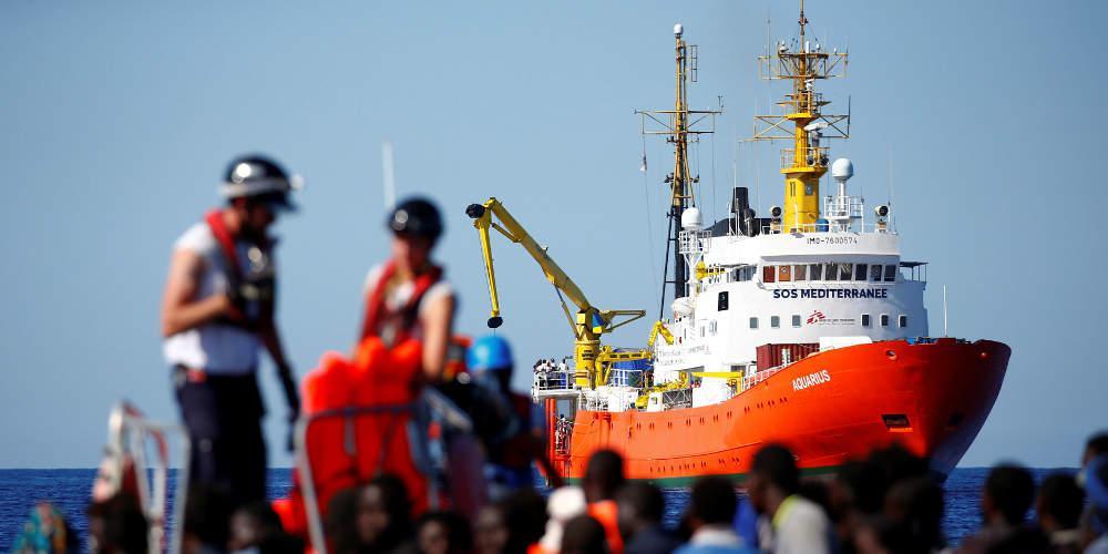 Το πλοίο Aquarius έφθασε στη Μάλτα όπου θα αποβιβάσει τους 141 μετανάστες