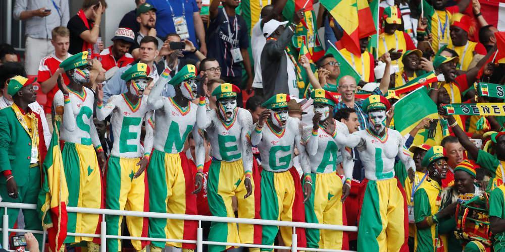 Μουντιάλ 2018: Μαθήματα πολιτισμού – Ιάπωνες και Σενεγαλέζοι μάζεψαν τα σκουπίδια τους από το γήπεδο [βίντεο]