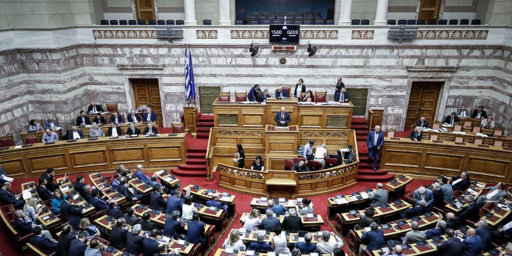 Νέος άγριος καυγάς στη Βουλή για το Σκοπιανό και το παρασκήνιο πίσω από την συμφωνία των Πρεσπών