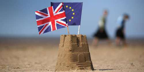 Sunday Times: Στα πρόθυρα παραίτησης τέσσερις Βρετανοί υπουργοί για το Brexit