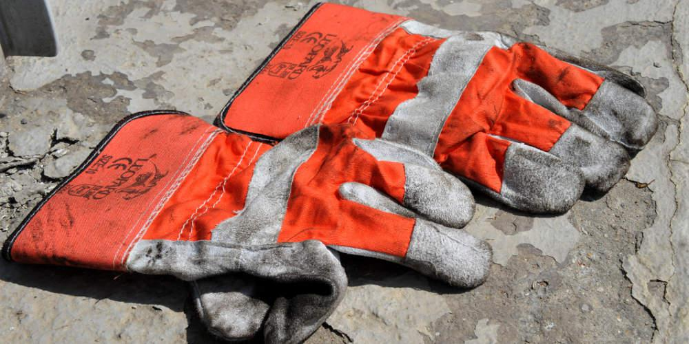 Αγωνία για τους 4 εργαζόμενους της Motor Oil: Διασωληνωμένοι μετά από πυρκαγιά