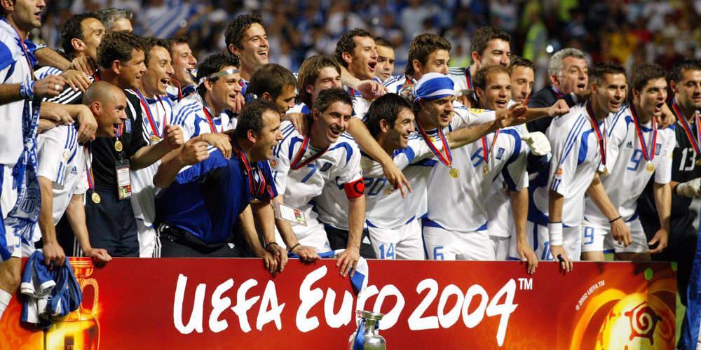 «Νενικήκαμεν»: Τι έγραφε ο ελληνικός και ξένος Τύπος για το έπος του Euro 2004 [εικόνες]