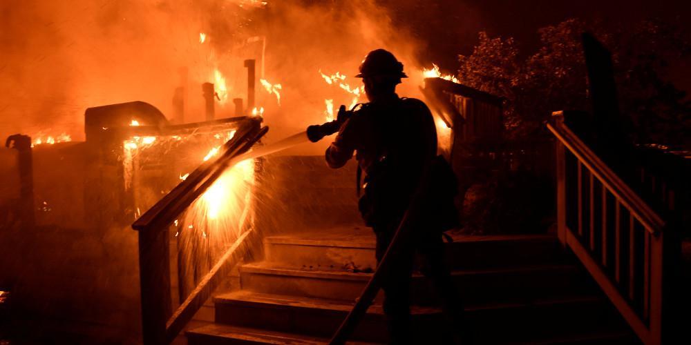 Τραγωδία: Πυρκαγιά σε πολυκατοικία με 19 τραυματίες στην Τουλούζη