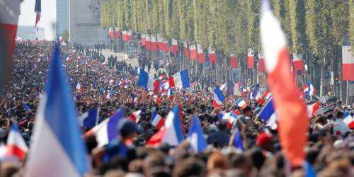 «Κάηκε» το Παρίσι για τους πρωταθλητές κόσμου [εικόνες & βίντεο]