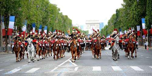 Εθνική εορτή και στρατιωτική παρέλαση στη Γαλλία – Αισιοδοξία για πανηγυρισμούς και αύριο!