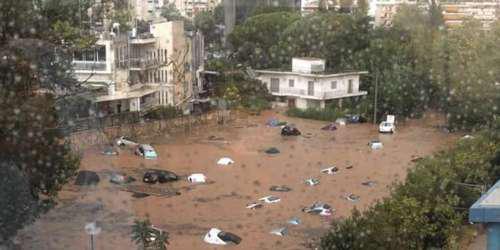 Απίστευτες εικόνες: Πνίγηκε το Μαρούσι από την καταιγίδα – Κίνδυνος για πεζούς