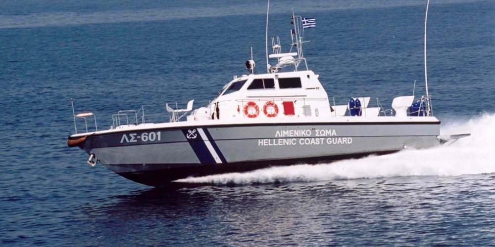 Συναγερμός: Βυθίστηκε σκάφος που μετέφερε μετανάστες στους Παξούς