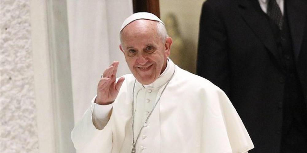 Ο πάπας Φραγκίσκος προσεύχεται για τους «Κινέζους αδερφούς» που προσβλήθηκαν από κορωνοϊό