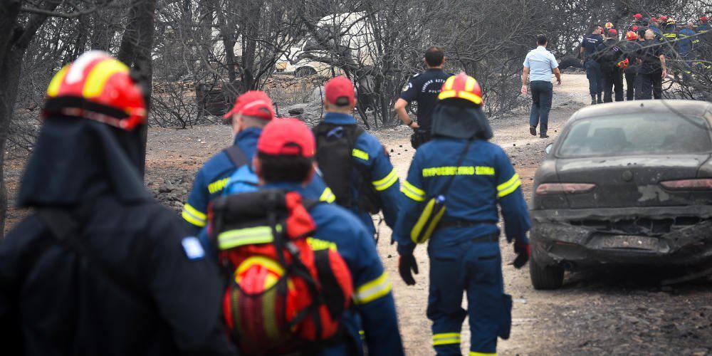 Σε κατάσταση σοκ οι διασώστες που βρήκαν τους 26 νεκρούς στην πυρκαγιά στο Μάτι [βίντεο]