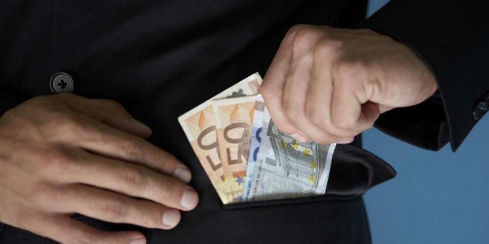 Αυτή είναι η σπείρα που έταζε ρυθμίσεις οφειλών σε Δημόσιο και τράπεζες