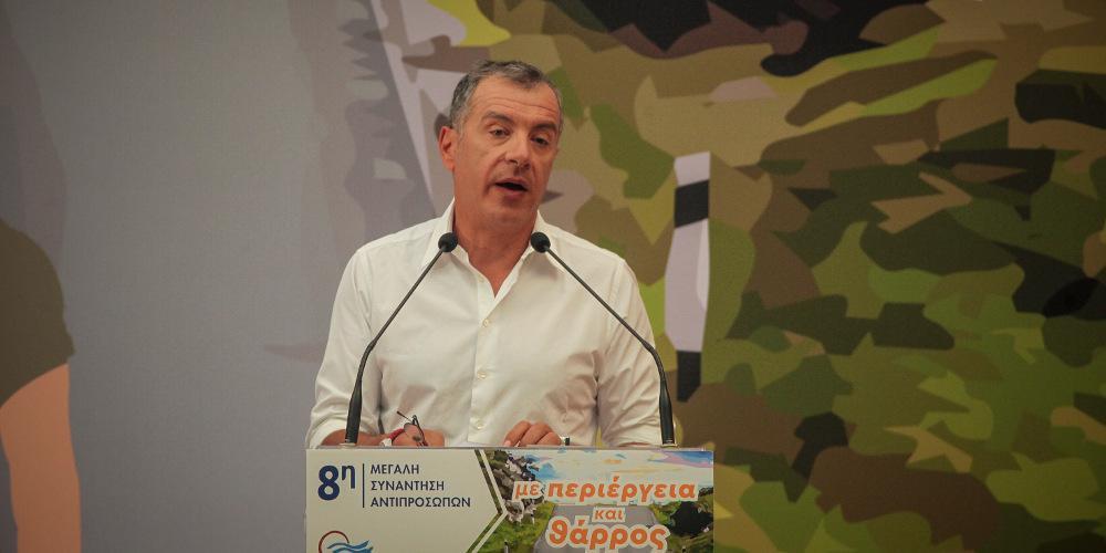 Θεοδωράκης: Εμείς δεν θα υπογράψουμε τις ιδεοληψίες των ΣΥΡΙΖΑΝΕΛ