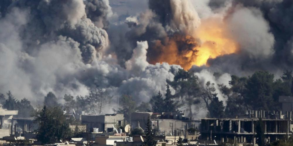 Ρωσικά και συριακά αεροσκάφη σφυροκοπούν την Ιντλίμπ