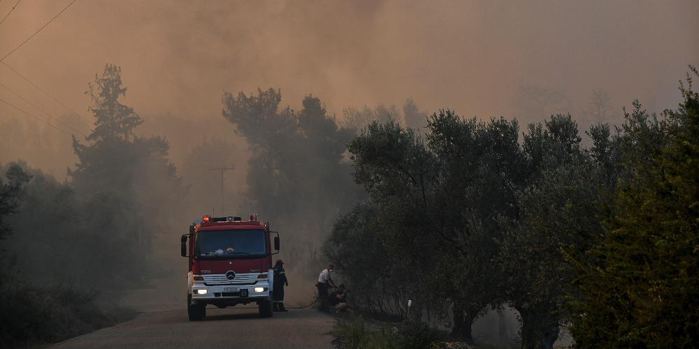 Σε εξέλιξη πυρκαγιά στην Ηλεία