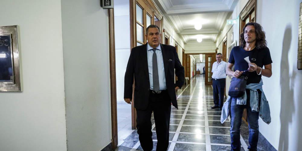 Ο Καμμένος βιάζεται να δώσει 230 εκατ. ευρώ σε εξοπλισμούς - Γκρίζα τροπολογία