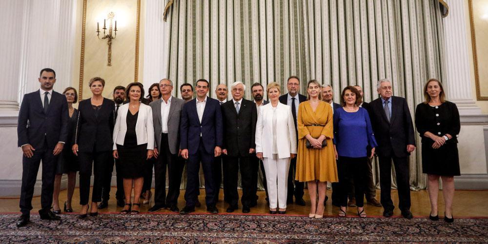 Ορκωμοσία Κυβέρνησης: Ο Κουβέλης το Καλάσνικοφ κι η κόρη της Παπακώστα [εικόνες]