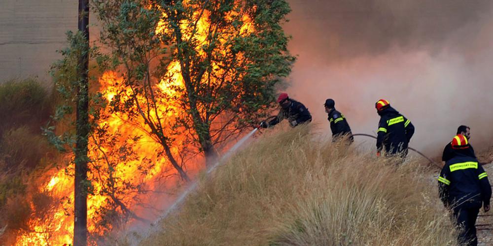 Φωτιά στις Κεχριές Κορινθίας - Συναγερμός στην πυροσβεστική