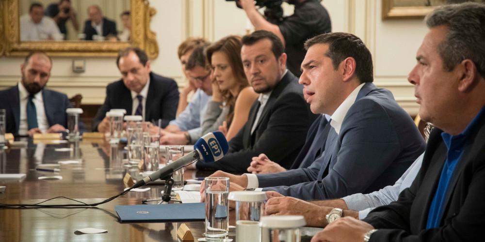 Σόου για τη «μεταμνημονιακή» εποχή και παροχολογία ετοιμάζει ο Τσίπρας στο Υπουργικό Συμβούλιο