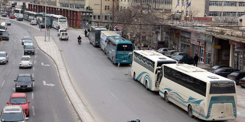 Πέταξαν πέτρες σε λεωφορείο του ΚΤΕΛ και έσπασαν παράθυρο! [εικόνες & βίντεο]