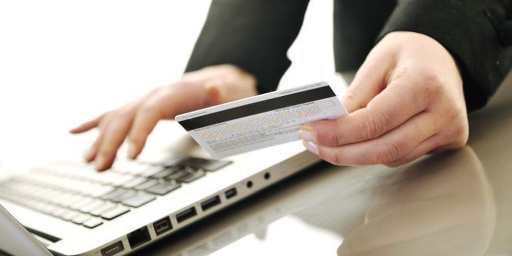 Κερδίζει τους Ελληνες το e-banking: Πάνω από 6 εκατ. πραγματοποιούν ηλεκτρονικά τις συναλλαγές τους