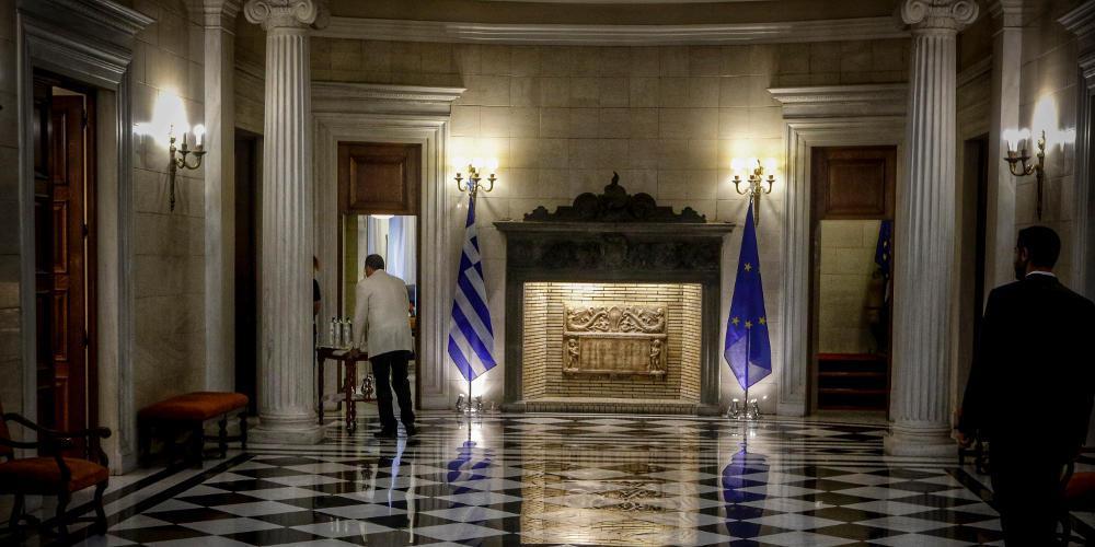 Πρέπει όλοι -και ο ΣΥΡΙΖΑ- να κοιτάξουμε μπροστά
