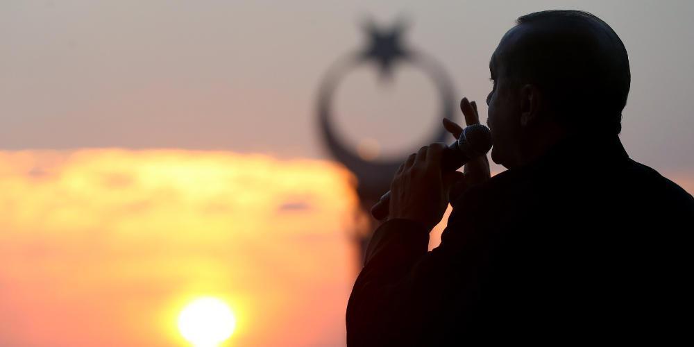 Η Τουρκία ισχυροποιείται και εμείς νομίζουμε πως είναι στην απομόνωση