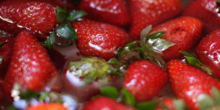 Συνελήφθη μια γυναίκα στην Αυστραλία για τις βελόνες μέσα στις φράουλες