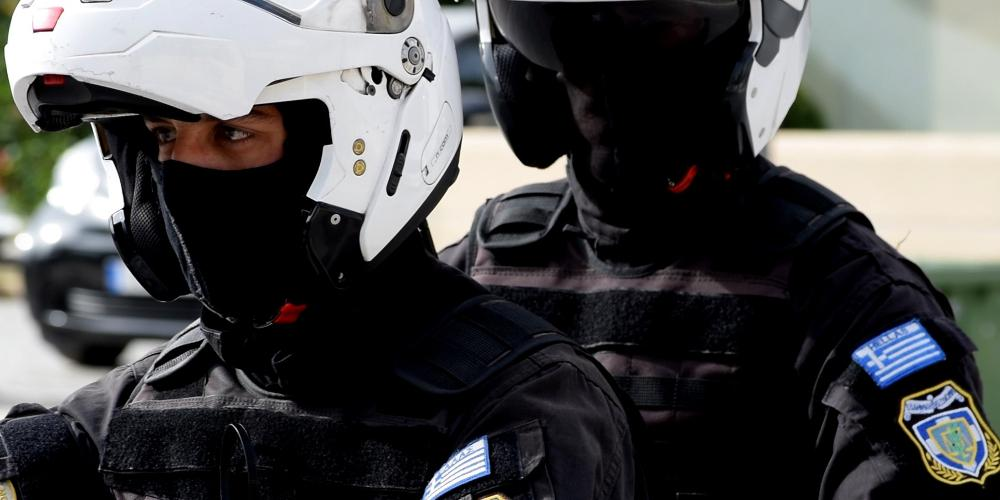 Τρείς αλλοδαποί συνελήφθησαν στη Νίκαια για δεκάδες κλοπές καταστημάτων