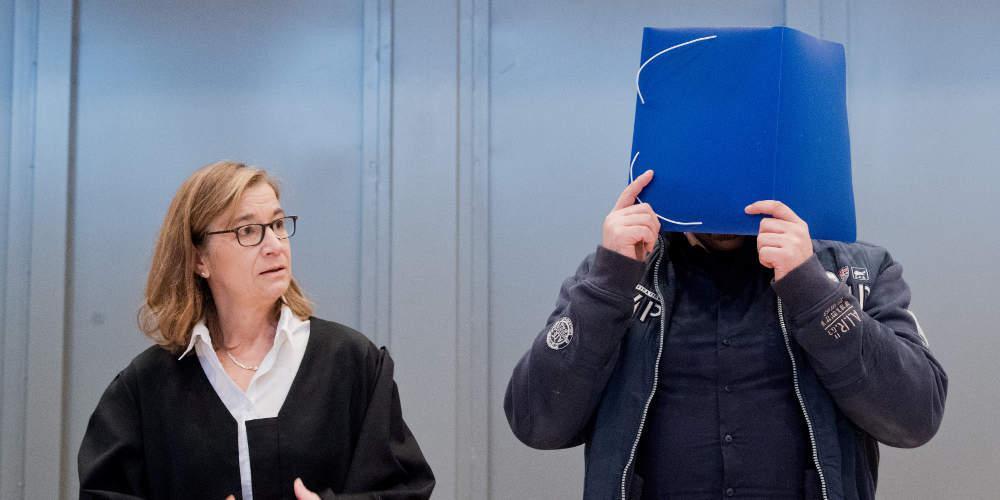 Στο «σκαμνί» ο νοσηλευτής-serial killer που σκότωσε τουλάχιστον 100 ασθενείς στη Γερμανία