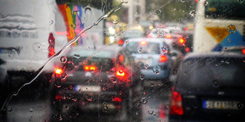 Χάος στους δρόμους της Αθήνας: Σε ποια σημεία υπάρχει κυκλοφοριακό κομφούζιο
