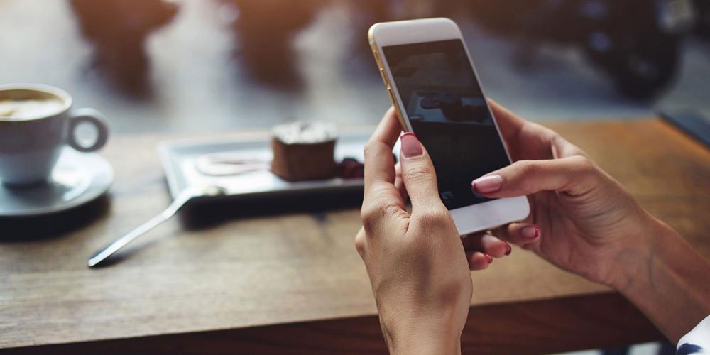 Ο ΣΥΡΙΖΑ υλοποιεί το δωρεάν WiFi του Σαμαρά, που κατήγγελλε το 2014
