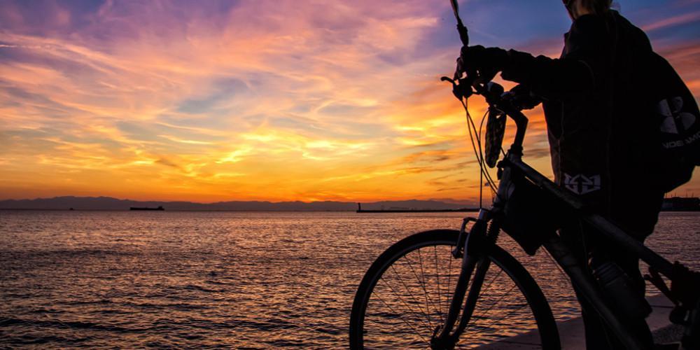 Ψάχνουν λύση για τον Jitse που θα πήγαινε στην Ινδία, αλλά του έκλεψαν το ποδήλατο στην Θεσσαλονίκη