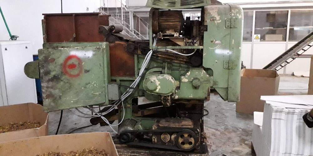 Εντοπίστηκε παράνομο εργοστάσιο λαθραίων τσιγάρων στην Αττική [εικόνες]