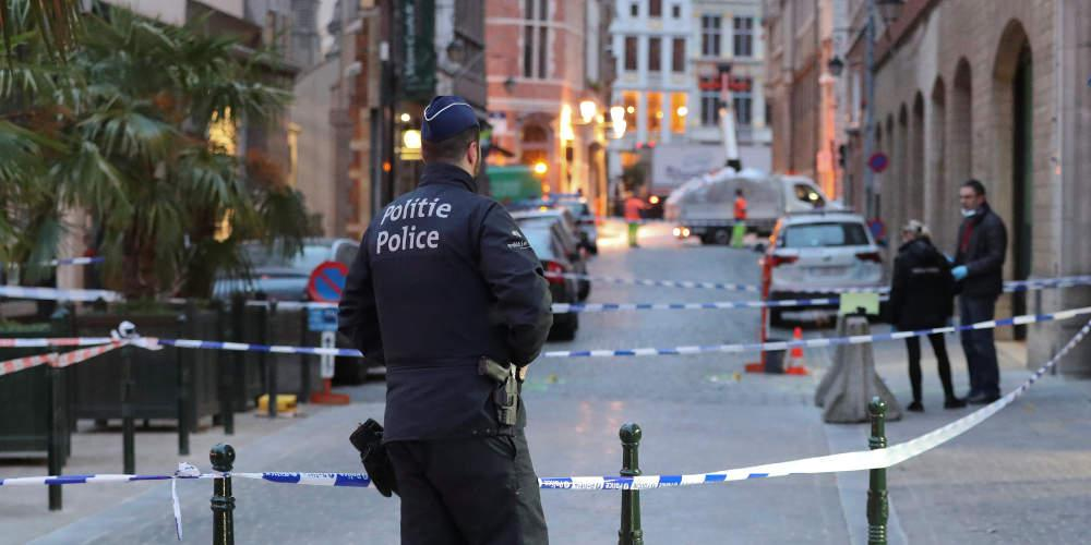 Σοκ: Εντοπίστηκαν 12 μετανάστες σε ψυγείο φορτηγού στο Βέλγιο