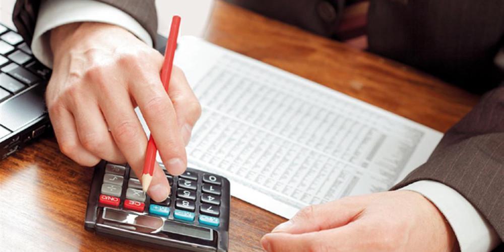 Αυξήσεις-σοκ έως και 117% στις εισφορές για 250.000 επαγγελματίες
