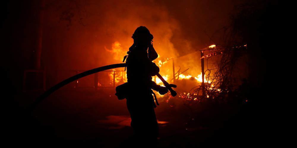 Συναγερμός στην Καλιφόρνια για νέες μεγάλες πυρκαγιές – Προληπτικές εκκενώσεις