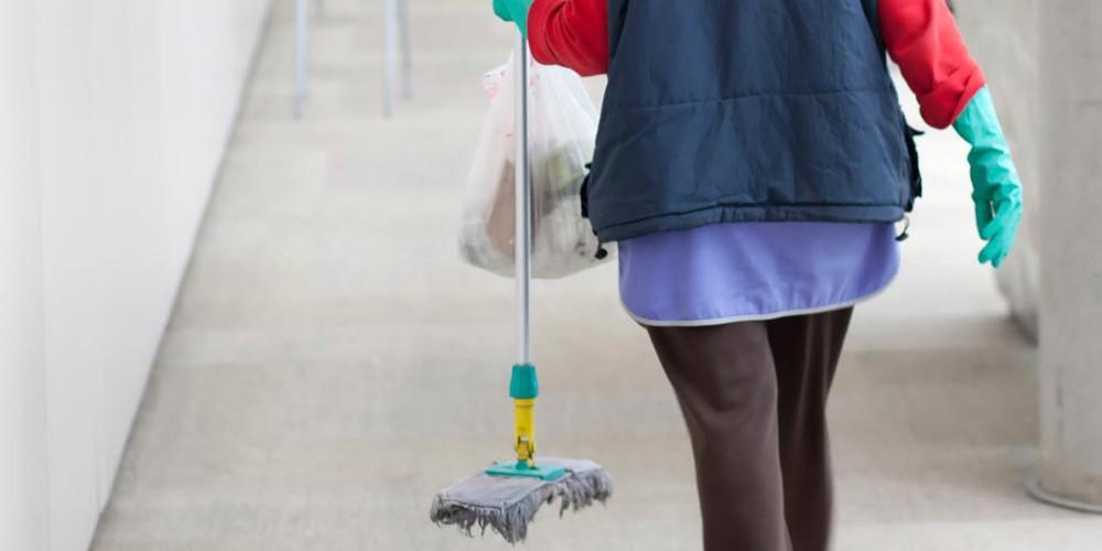 Τρια χρόνια με αναστολή στην καθαρίστρια με πλαστή ημερομηνία στο απολυτήριο δημοτικού