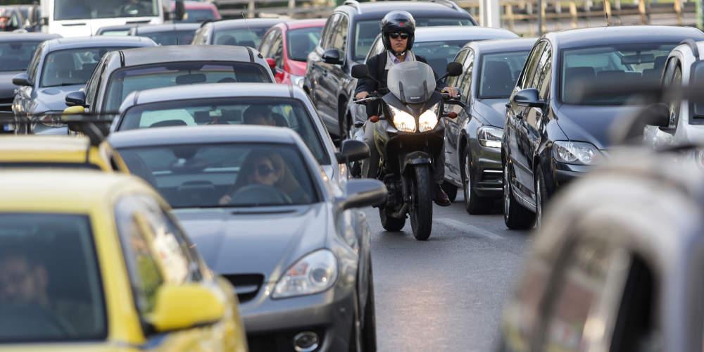 Χάος στην Συγγρού από την κίνηση: Απέραντο «πάρκινγκ» λόγω έργων
