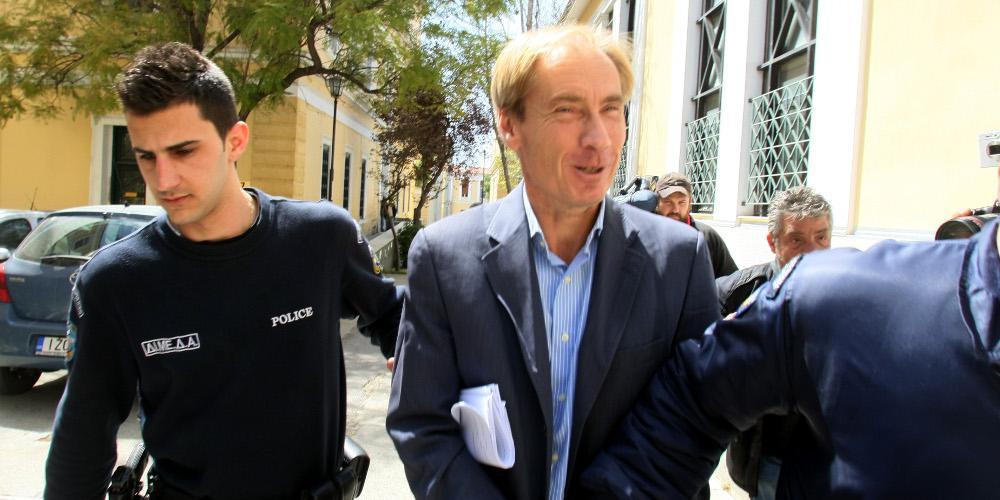 Πέντε σκάνδαλα και μία απόδραση για τον Όσβαλντ – Σε ποιες υποθέσεις εμπλέκεται