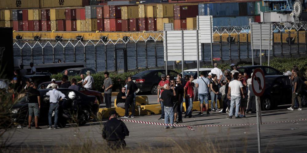 Γκαζάκια με βενζίνη εντοπίστηκαν στο λιμάνι του Πειραιά