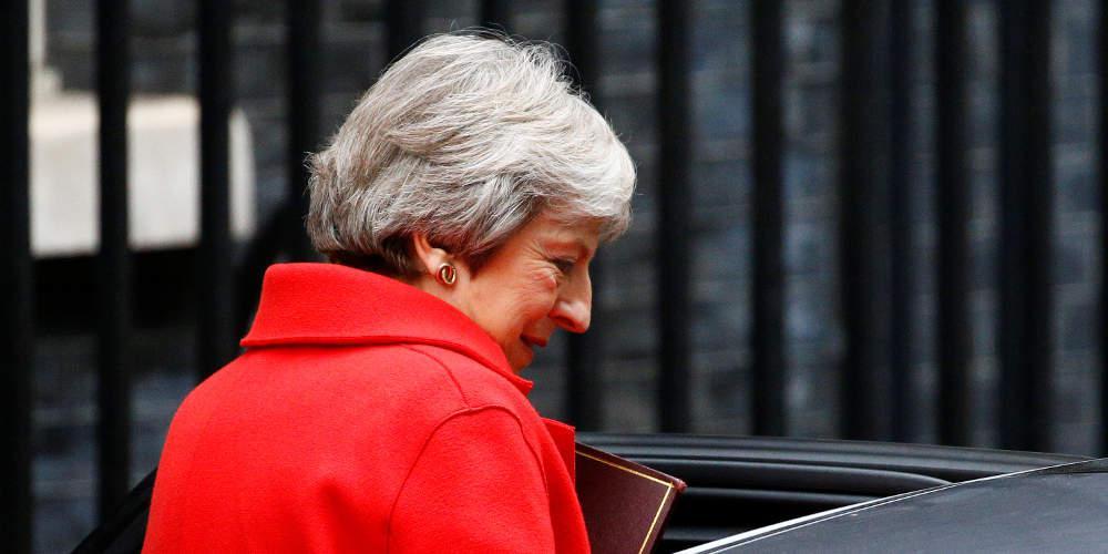 Sun: Βρετανοί υπουργοί πιστεύουν ότι η Μέι θα παραιτηθεί μετά το Brexit