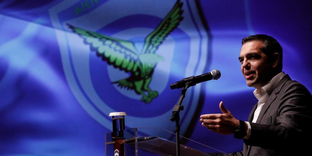 Προεκλογικό δώρο Τσίπρα 820 εκατ. ευρώ στους ενστόλους - Αύριο στη Βουλή η επιστροφή αναδρομικών