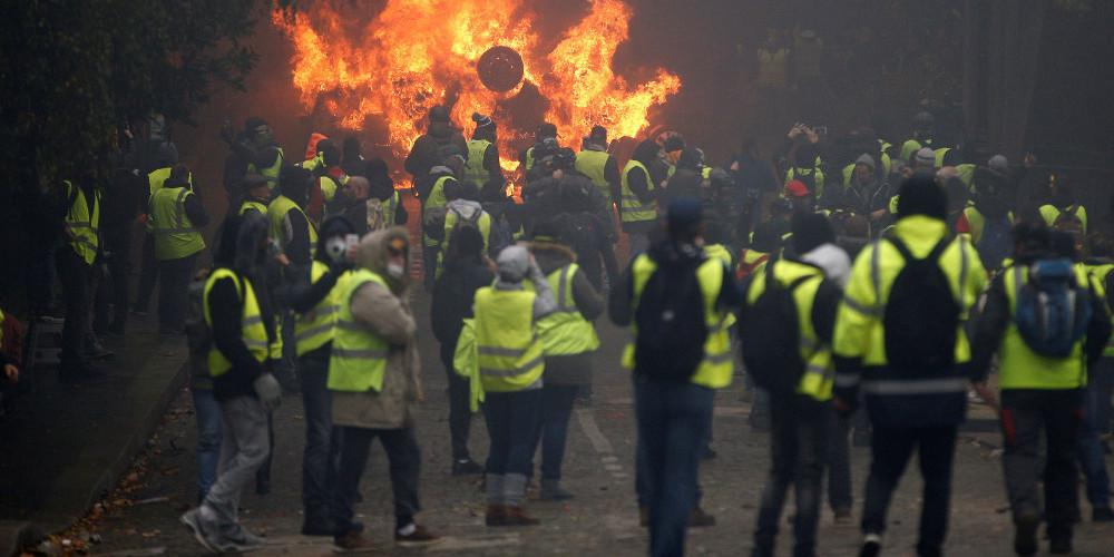 Σκληραίνει την στάση της απέναντι στα «κίτρινα γιλέκα» η γαλλική κυβέρνηση