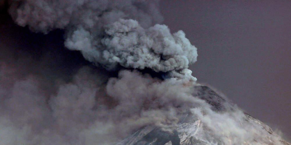 Εντυπωσιακές εικόνες: Καρέ καρέ η τεράστια έκρηξη ηφαιστείου στο Μεξικό [εικόνες & βίντεο]