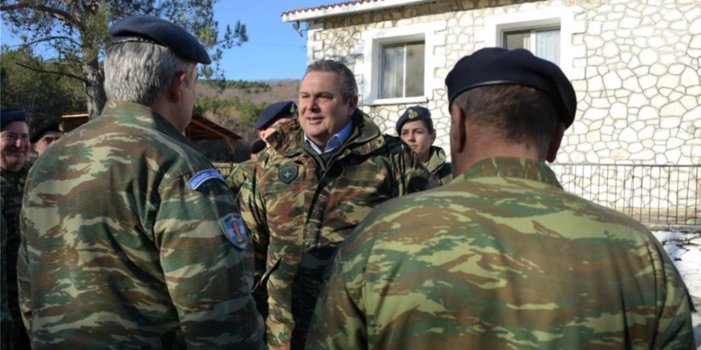 Συνεχάρη τους νέους αρχηγούς των Ενόπλων Δυνάμεων ο Καμμένος